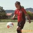 12-годишно момиче от Розово дебютира в женския футбол
