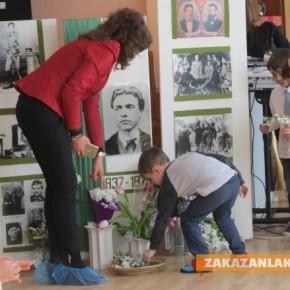 """Малки родолюбци от ДГ """"Звънче"""" почетоха паметта на Левски"""