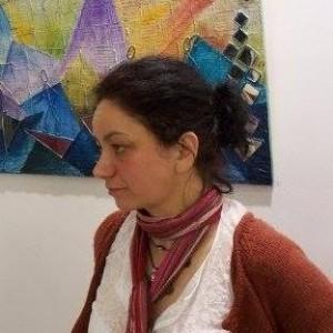 Стъклопис върху огледала представя художничката Албена Венкова