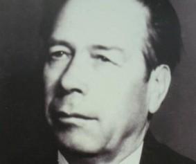Петко Влаев строи социализма в Казанлък