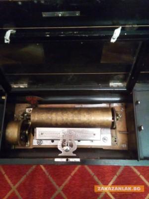 Музикална кутия на 200 години дари казанлъшка фамилия