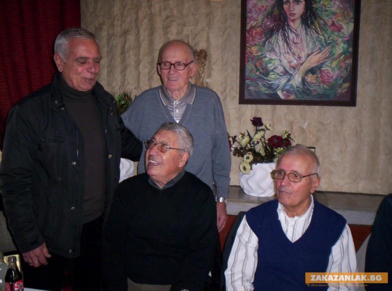 Живи легенди от Завод 6 си дадоха среща
