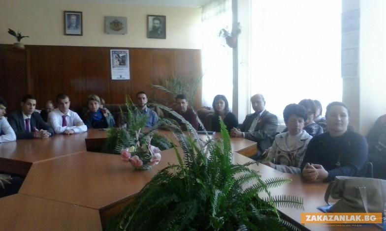 Нови възможности пред учeниците, обучавани по системата на дуалното  образование в Казанлък