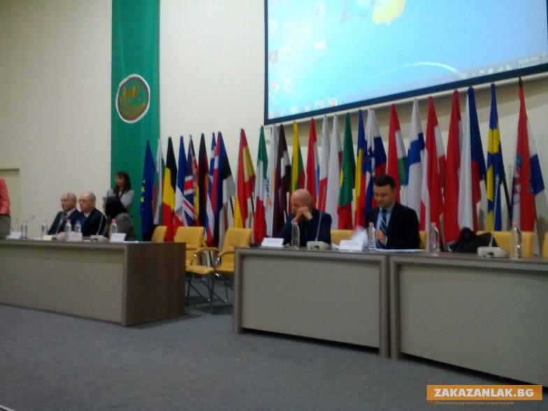 СБ у нас: Българите имат високи очаквания за доходи, образование, здравеопазване, върховенство на закона