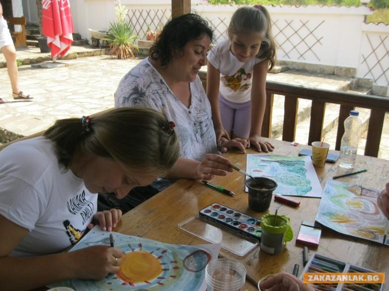Деца рисуваха на Синята река, родителите - също