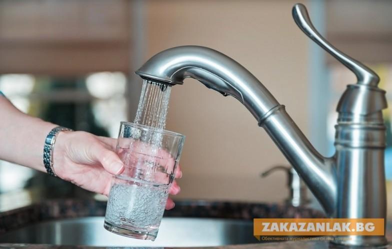 """Омбудсманът Мая Манолова  дава на КС """"единната цена"""" на водата"""