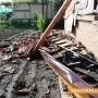 ОБНОВЕНА: Община и строители подпомагат семейството с ударената от мълния къща