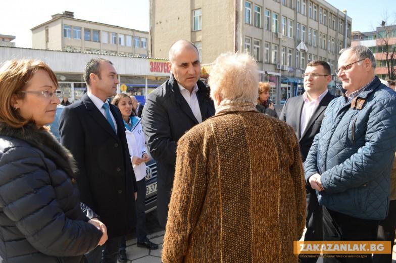 Цветанов в Казанлък: ГЕРБ ще увеличи реално пенсиите още в първата година