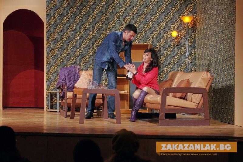 Театрални равносметки: премиера през септември, икономии от  заплати
