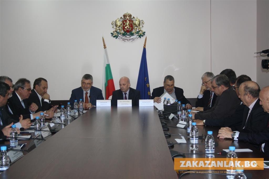 Божидар Данев: България изостава в създаването на подходяща бизнес среда за предприемачите