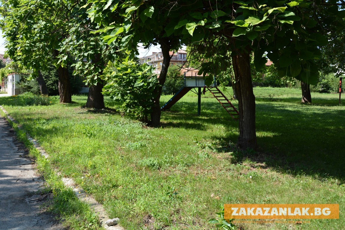 По настояване на гражданите - ново парково пространство