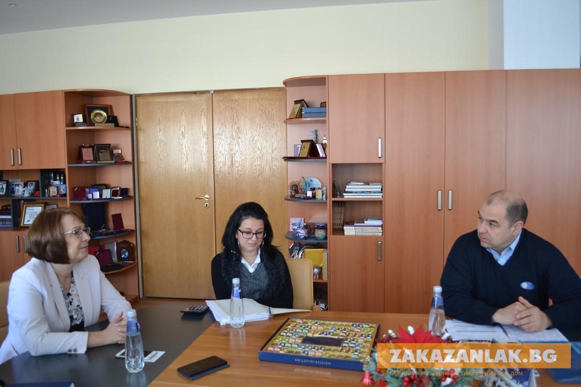 В община Казанлък се споразумяха за заплатите на медицинските сестри