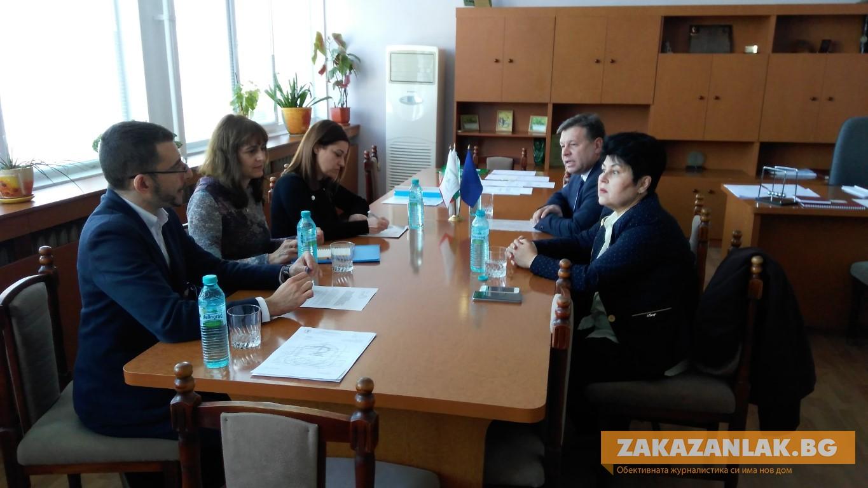 Нови възможности за стипендии за висшисти от Общината в Казанлък