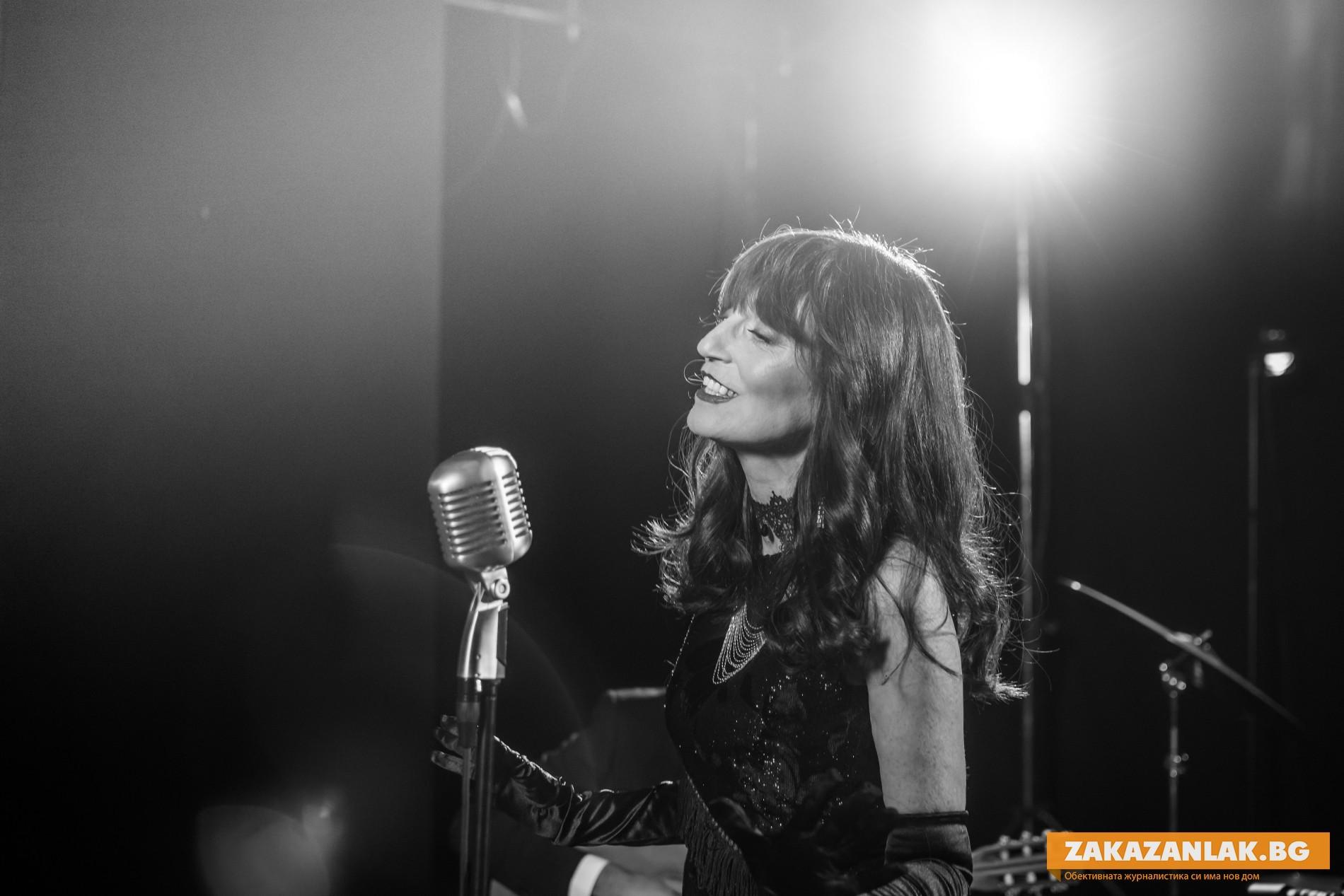 Песен на казанлъчанката Надя Тончева влезе в Топ класация