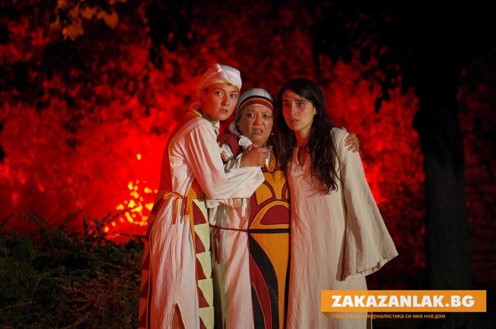 Невероятните спектакли на Казанлъшкия театър – желани в цялата страна