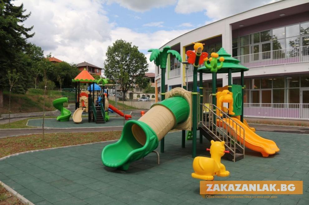 Извиняват служебно отсъствията в детските градини