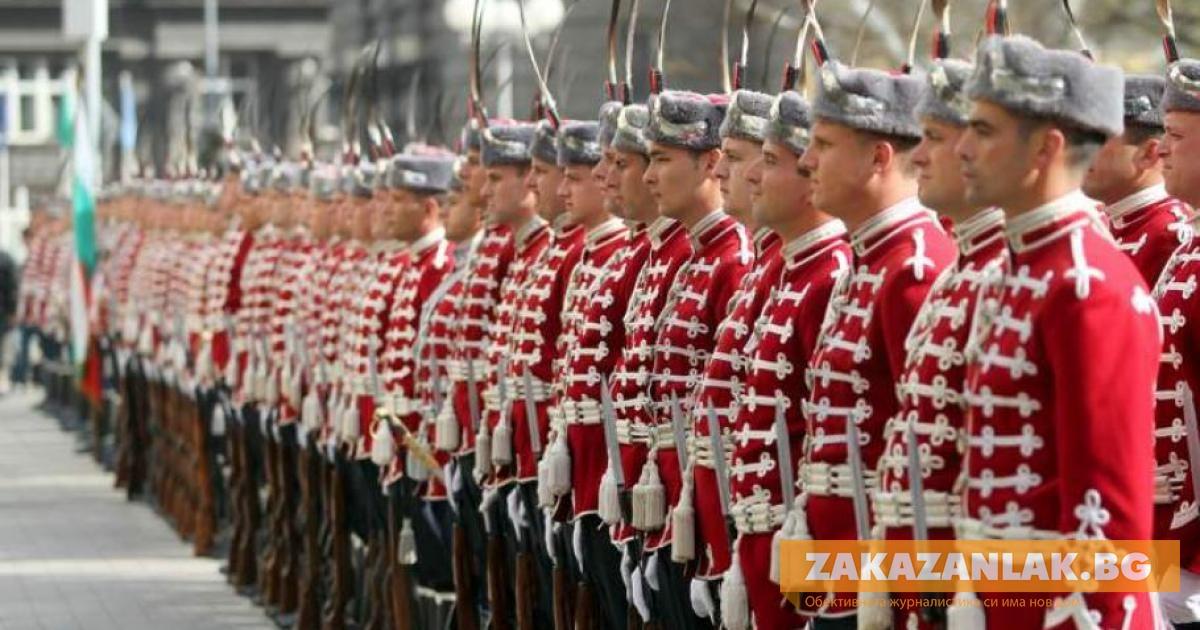 В Казанлък връчват тържествено тамбурмажор на Трети ученически гвардейски духов оркестър