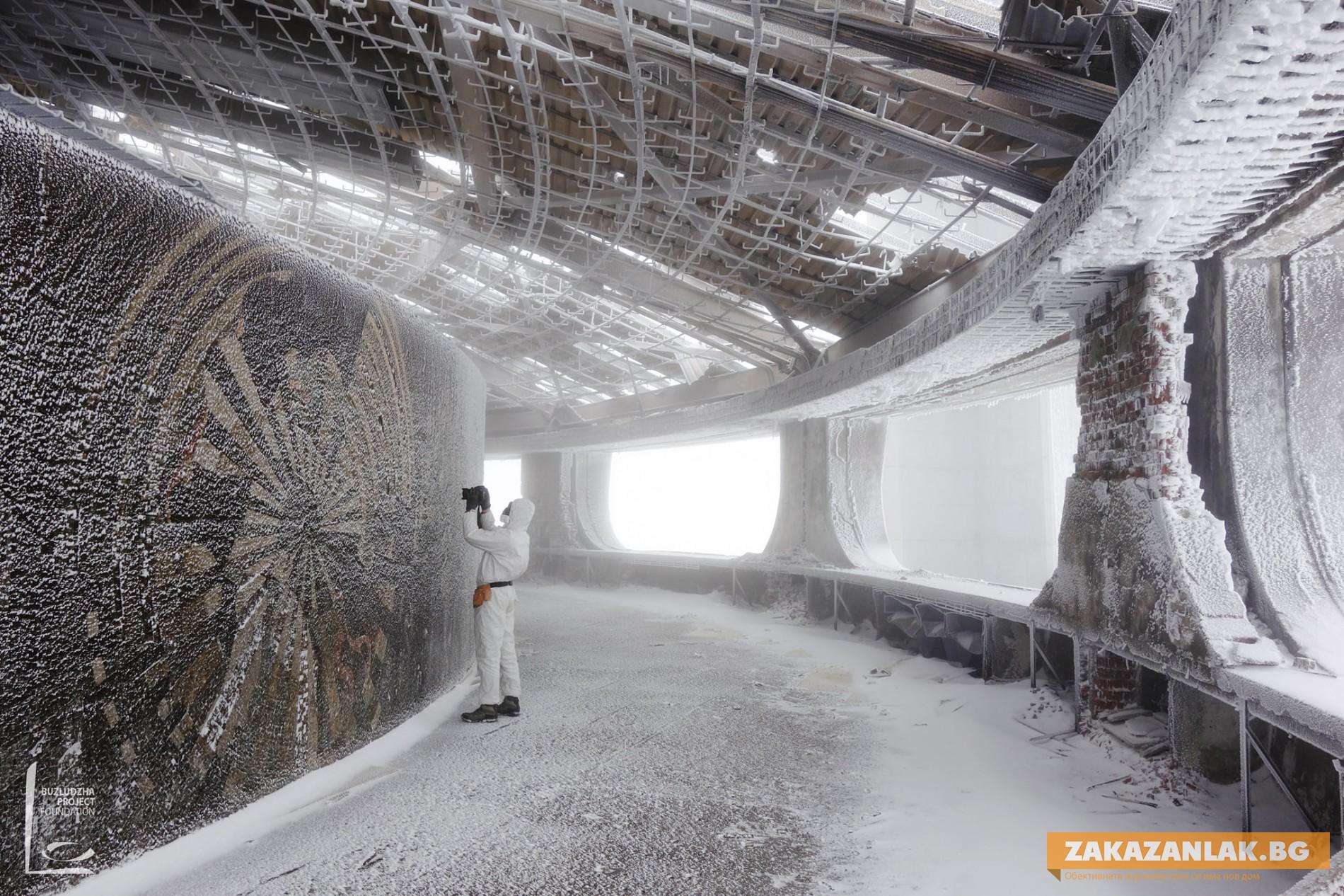 Паметникът на Бузлуджа - и през зимата обектът е под око